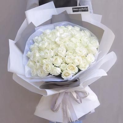 バラの誕生日プレゼント箱の花は江西宜春豊都市樟樹市高安市同城に花を配達します。