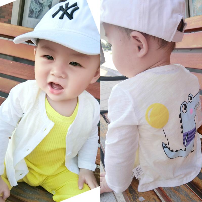 Ребенок солнцезащитный одежды мужской и женщины ребенок кондиционер одежда чистый хлопок, тонкий 0-1 лет 3 новорожденных лето кардиган пальто корейский