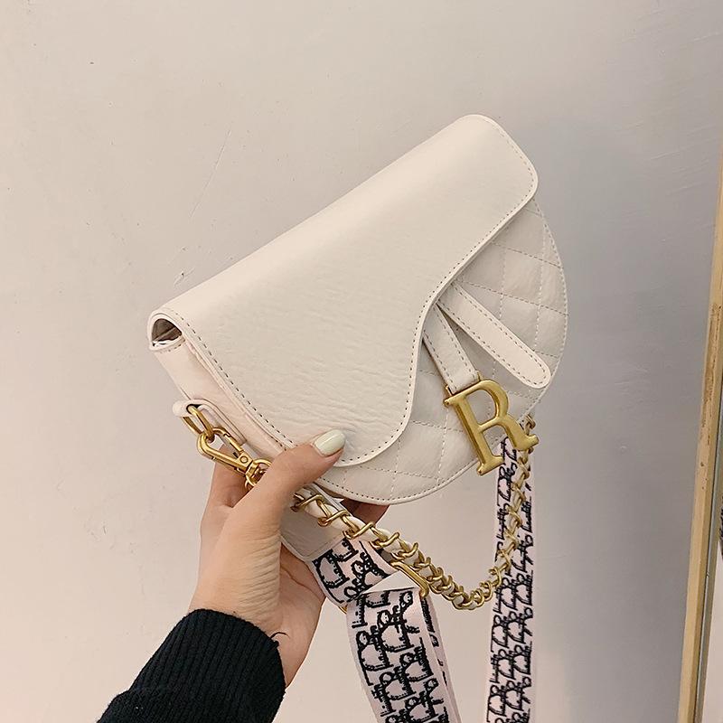 Korean 2020 new fashion simple style unique single shoulder armpit ladys handbag generous casual saddle bag