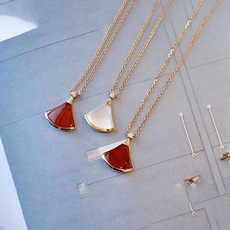Small skirt Necklace female fan-shaped S925 pure silver white mother oyster 18k rose gold net red tide clavicle chain full of Diamond Pendant