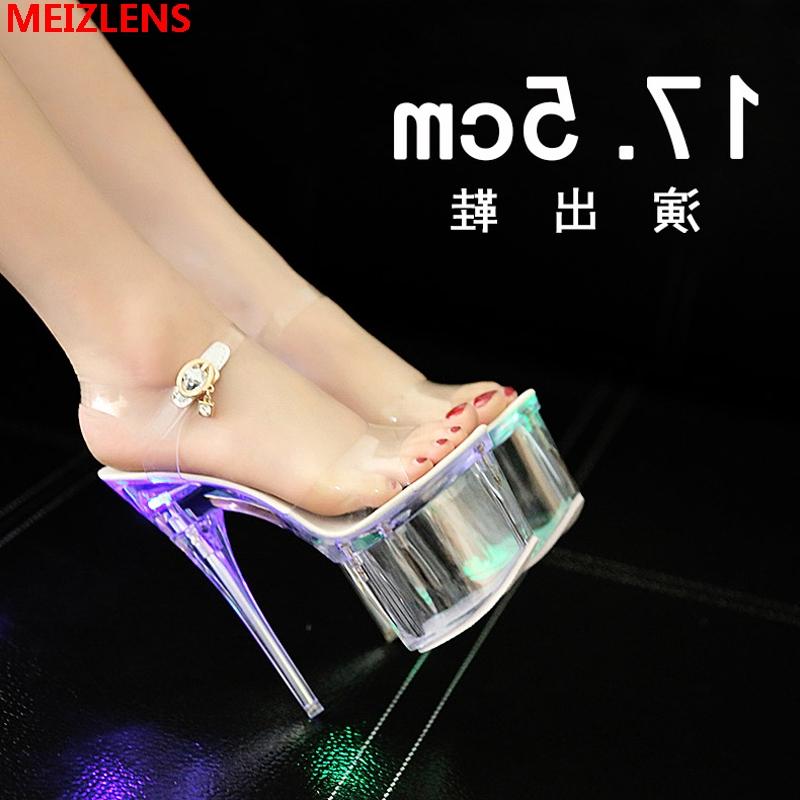水晶凉鞋女透明