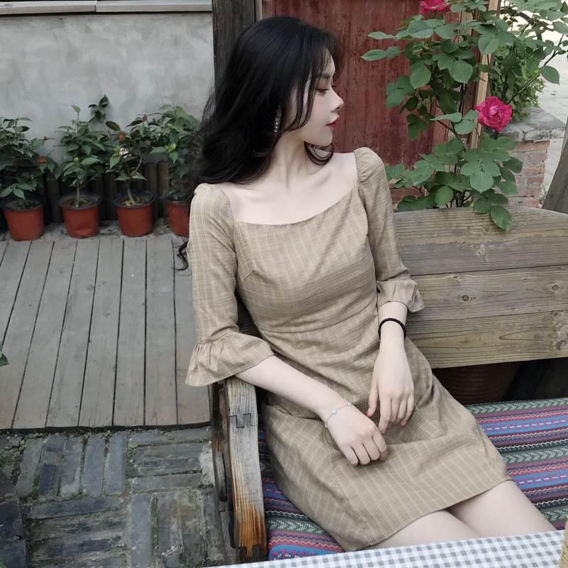 港妹潮人馆~复古法式少女美感收腰五分袖抹胸方领格子连衣裙夏