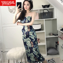 Sexy tube top 2018 nightclub new word shoulder women's low-cut off-the-shoulder slim waist lady bag hip dress