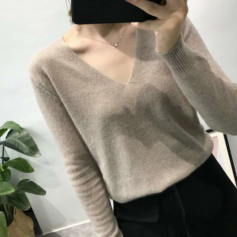 New V-neck cashmere sweater womens knitted bottomed sweater loose sweater short sweater Korean simple and versatile sweater