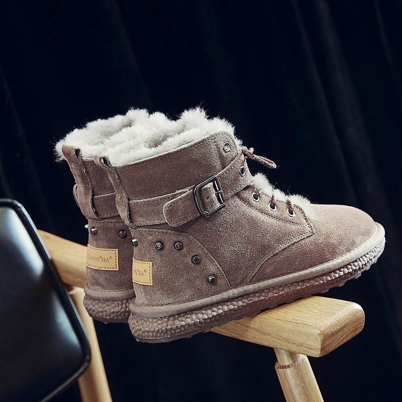 Snow boots women 2020 winter new short tube cow leather Plush student outdoor cotton shoes thickened wool Martin boots women