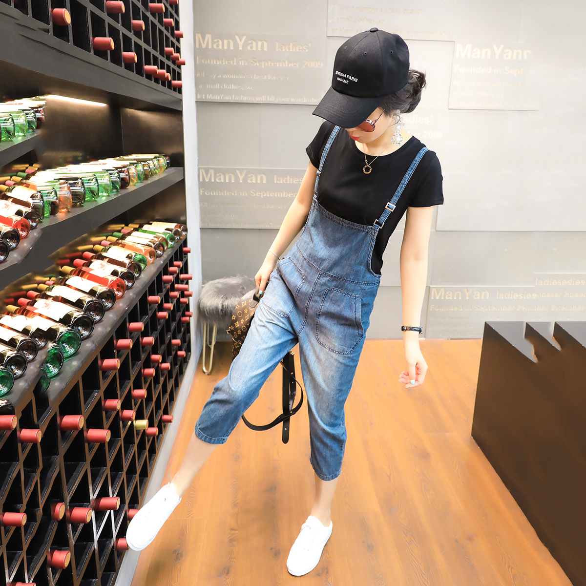时尚套装女夏季两件套新款女装韩版圆领t恤+牛仔背带裤套装潮款