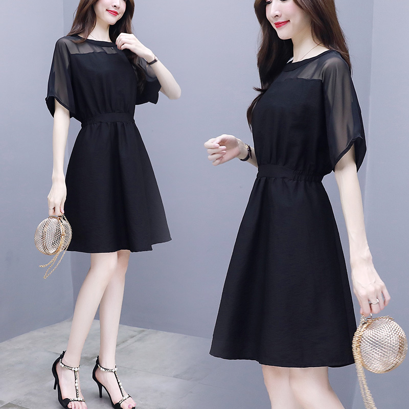 Temperament goddess model Chiffon Dress 2020 summer new womens dress small waist shows thin black skirt