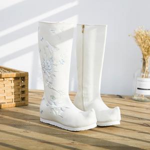 秋季汉服女靴民族风靴子软底内增高绣花鞋古装演出翘头靴古风高筒