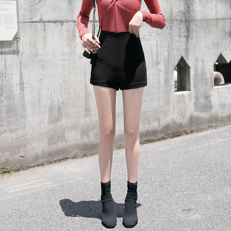 89.00元包邮黑色2019新款高腰a字显瘦网红短裤