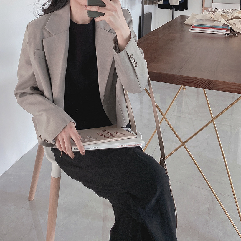 Spring 2020 new womens fashionable and refined fashion short thin womens long sleeve texture suit top