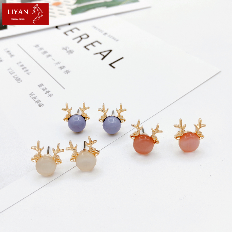 Japanese and Korean super fairy soft girl moose Earrings Fashion Girl heart pearl Opal Earrings versatile student Earrings