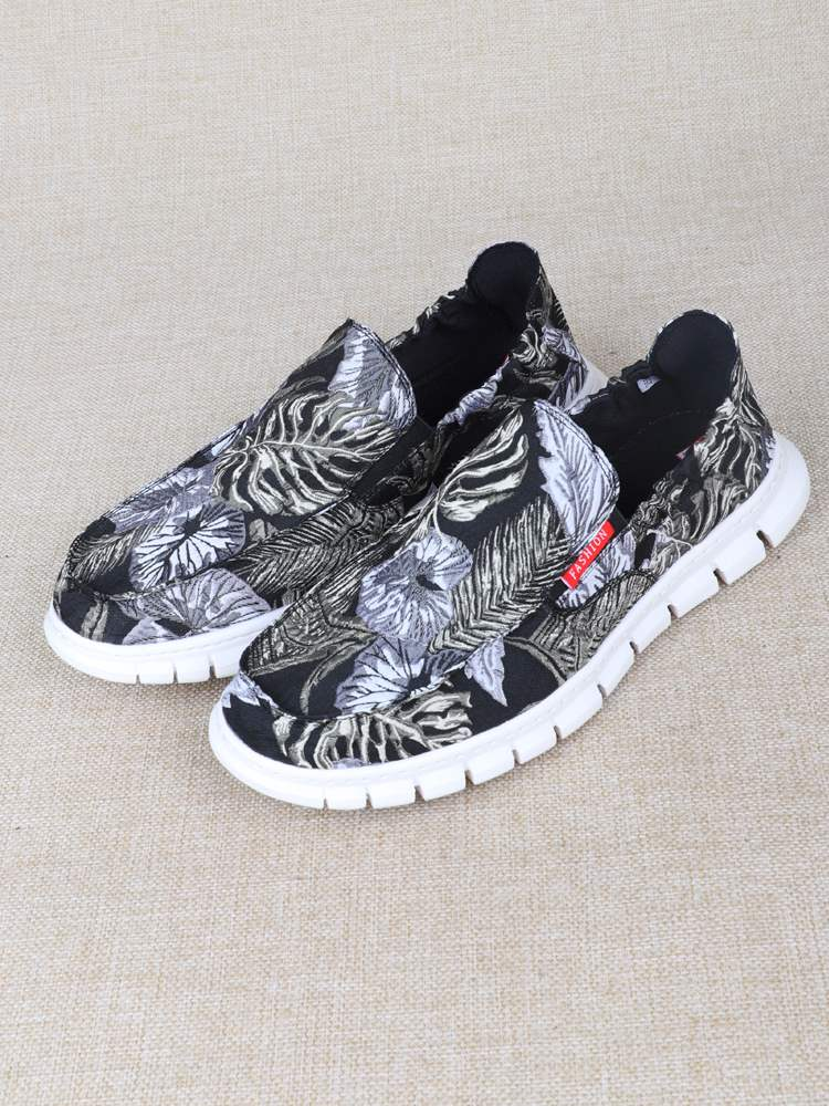 Mens shoes summer breathable thin casual shoes one foot anti odor lazy shoes low top personalized pattern shoes mens cloth shoes