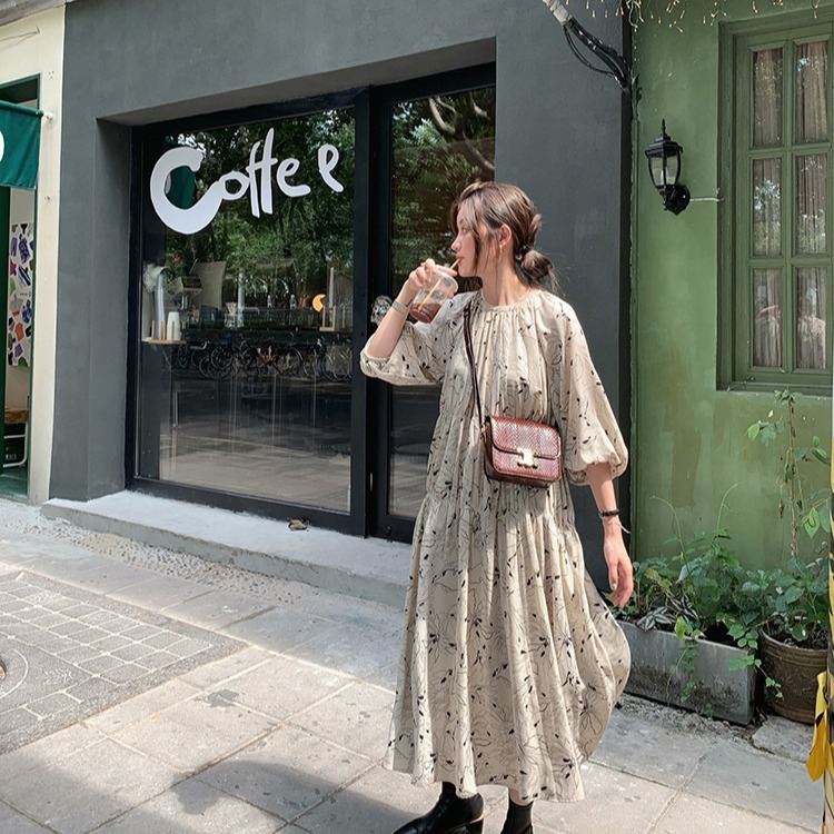 Japanese advanced pencil flower, simple and elegant, bubble sleeve, round neck, long dress, spring skirt