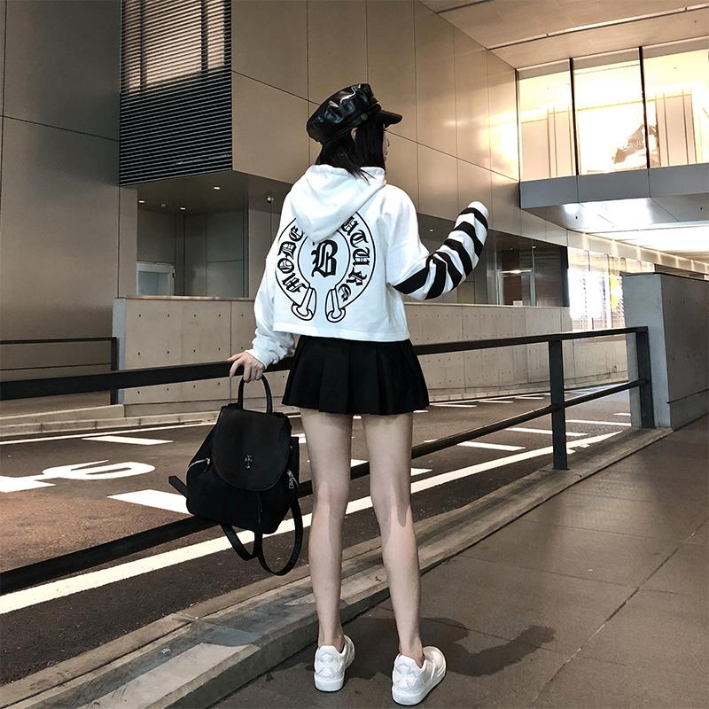 潮曼曼 哥特字母短款卫衣2018新款女长袖连帽韩版秋装宽松上衣潮