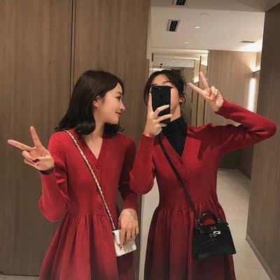 红色针织连衣裙姐妹装新年闺蜜装秋冬中长款毛衣裙新款裙子女2019