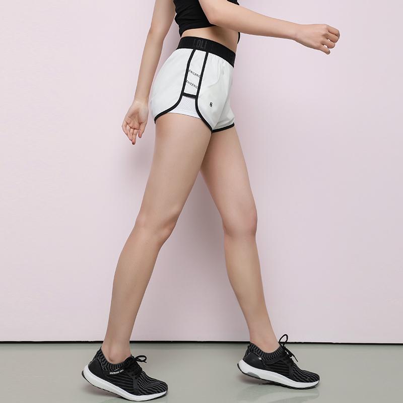 暴走的萝莉 运动短裤女休闲宽松防走光速干热裤专业瑜伽健身裤(用19.2元券)