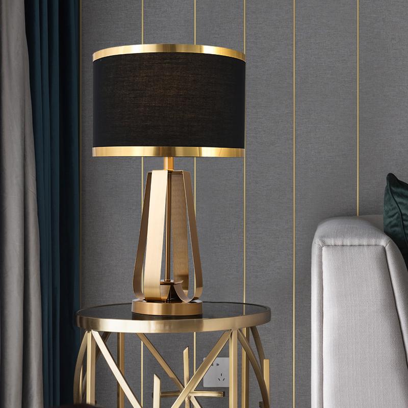 欧式台灯卧室床头灯可调光触摸轻奢卧室台灯温馨床头灯家用遥控