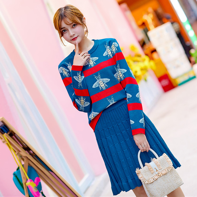 Little bee suit women autumn winter 2020 new Hong Kong style fashion knitted pleated skirt foreign style two piece dress fashion