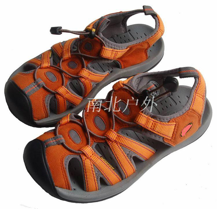 Outdoor beach Baotou sandals childrens upstream shoes mens casual shoes womens sports wading fast drying anti-skid wear-resistant shoes