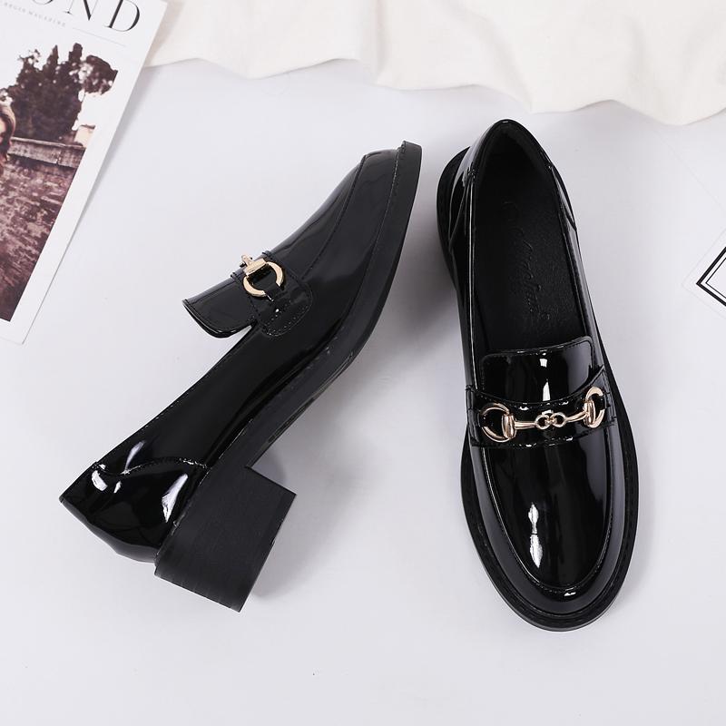 真皮英伦风小皮鞋女鞋子2021春季新款百搭中跟黑色工作单鞋乐福鞋
