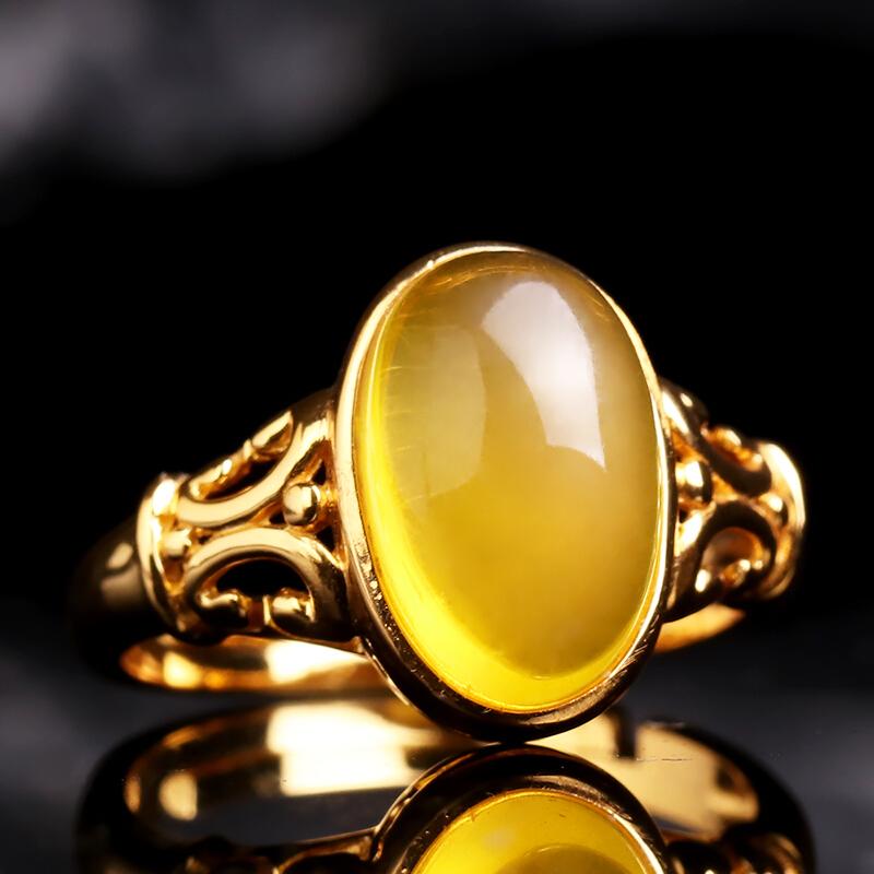 琬�B蜜蜡戒指 鸡油黄蜜蜡戒指925纯银镀金镶嵌肉质浑厚男女款正品