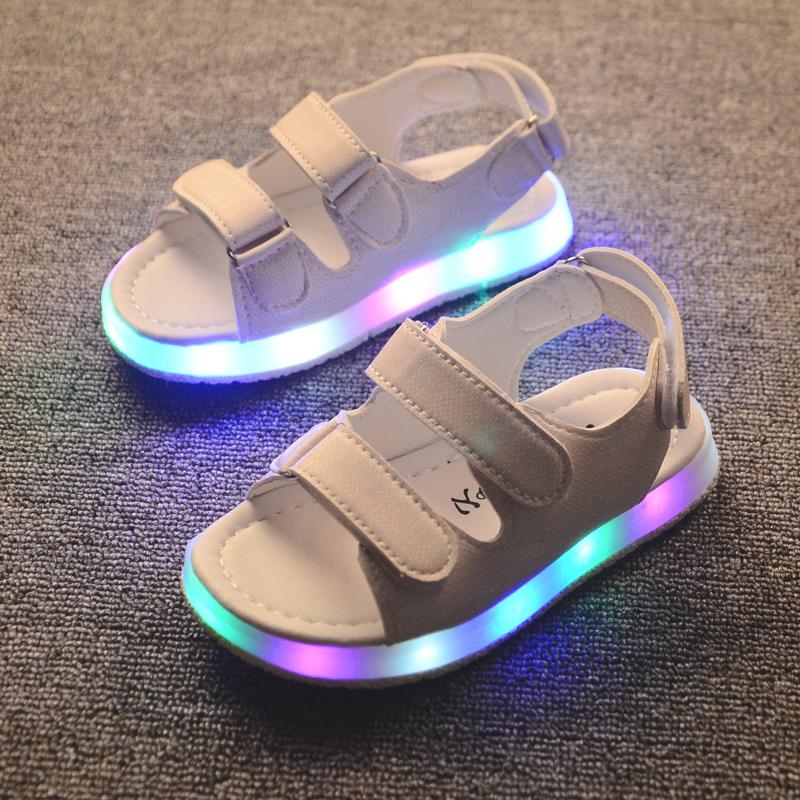 Ребенок сандалии мальчиков и девочек, огни обувной новый летний носок ребенок скольжение на липучках обувной ребенок небольшой обувь