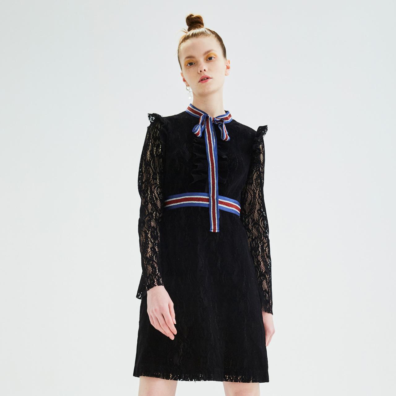 Z11女装2019春装新款拼接系带气质花边镂空蕾丝连衣裙Z18CH417