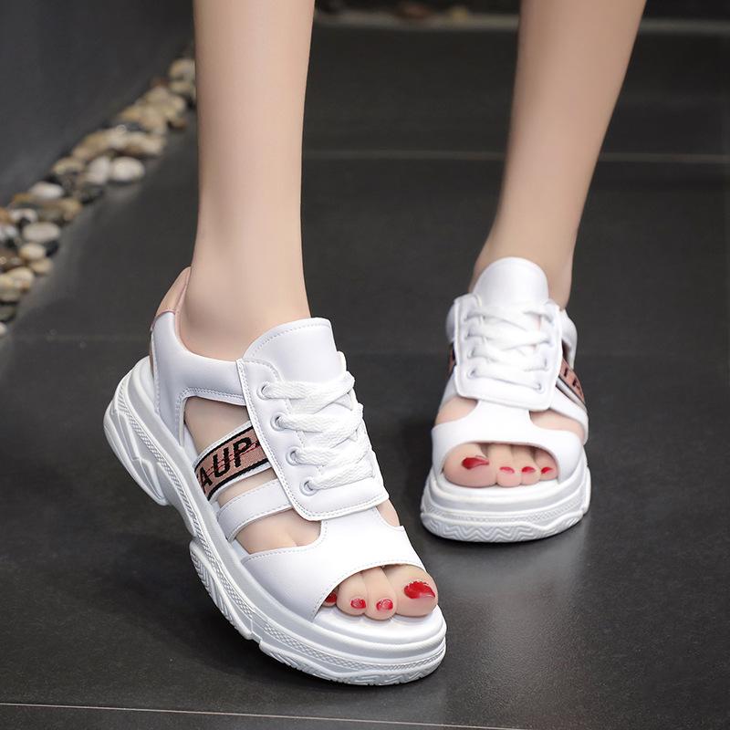 2019夏季新款女孩韩版罗马鞋13初中学生大童15岁学院风运动凉鞋12