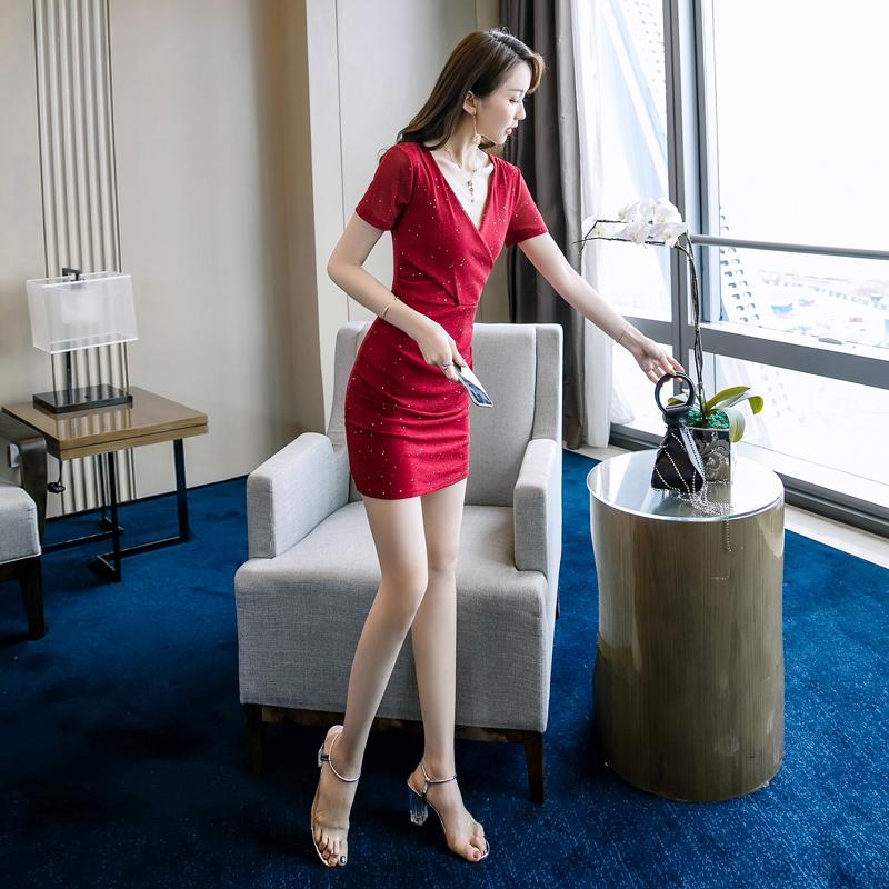 冷淡风裙子chic夏装裙港风2019新款气质小个子有女人味的连衣裙限30000张券