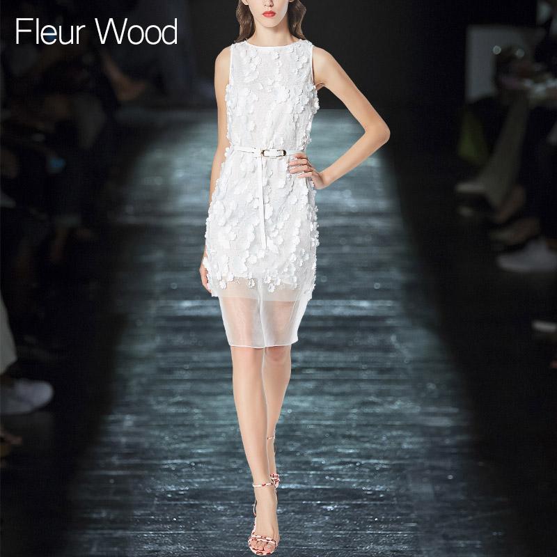 立体装饰纱网贴花无袖系带白色气质名媛修身连衣裙女夏季2018新款