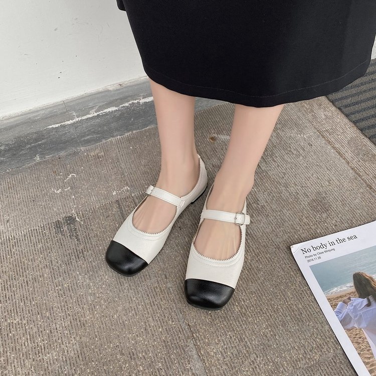 2021 new flat sole single shoes womens low heel small fragrance Mary Jane retro square head shallow mouth button ballet shoes