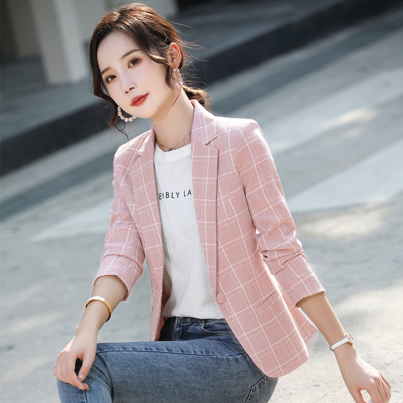 Small suit coat womens middle sleeve Korean version 2020 new womens casual professional dress Plaid net red suit top