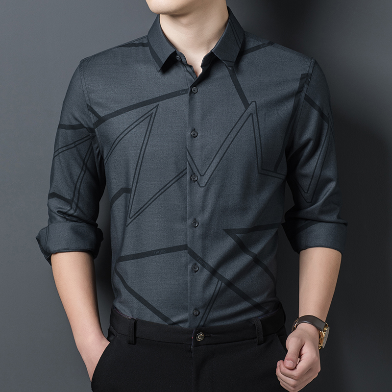 Spring and autumn 2020 new mens casual shirt mens long sleeve slim business daily stripe Lapel shirt