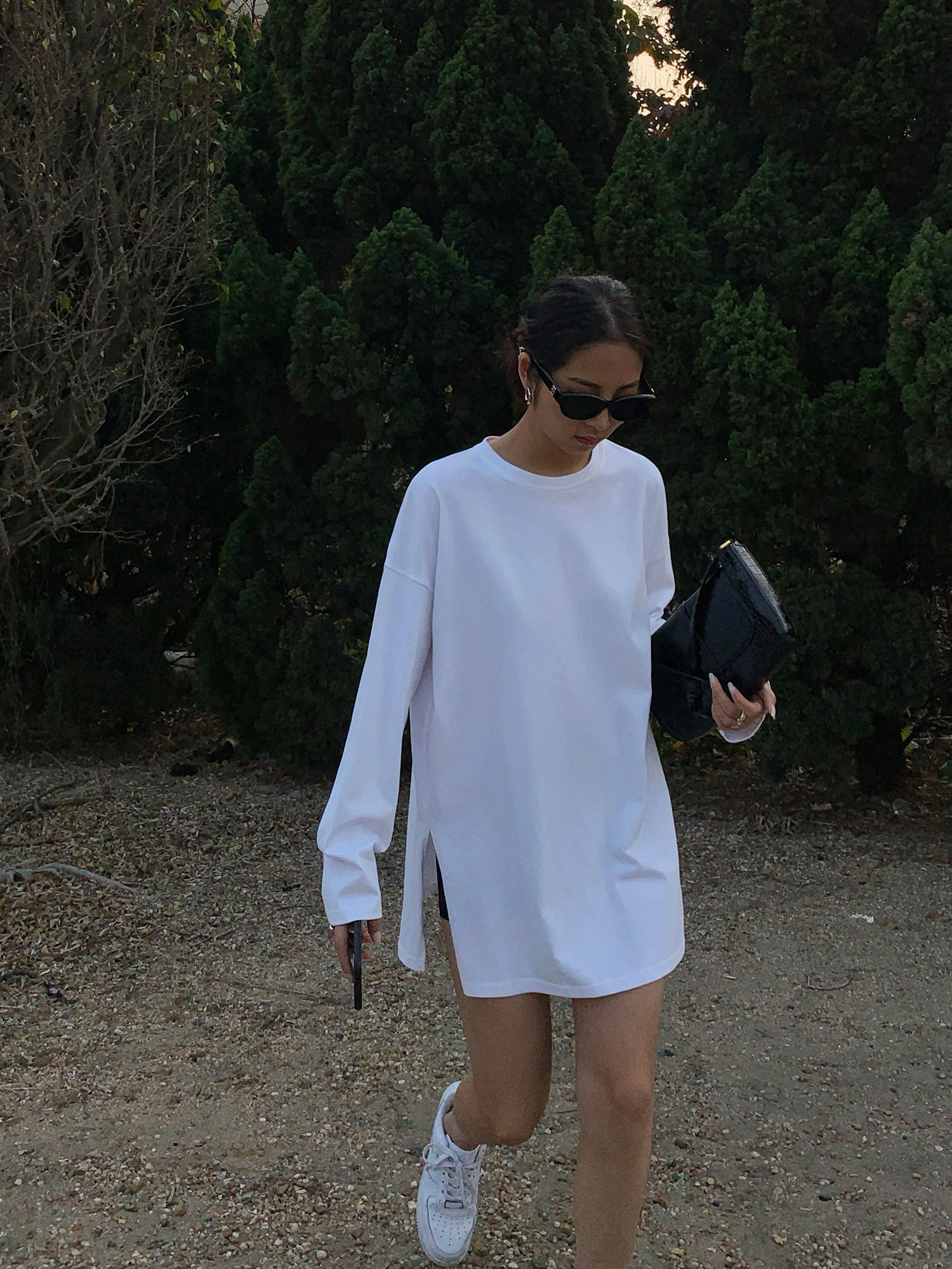 HUYIFAN白色宽松长袖t恤女秋季开叉oversize设计感分叉中长款上衣