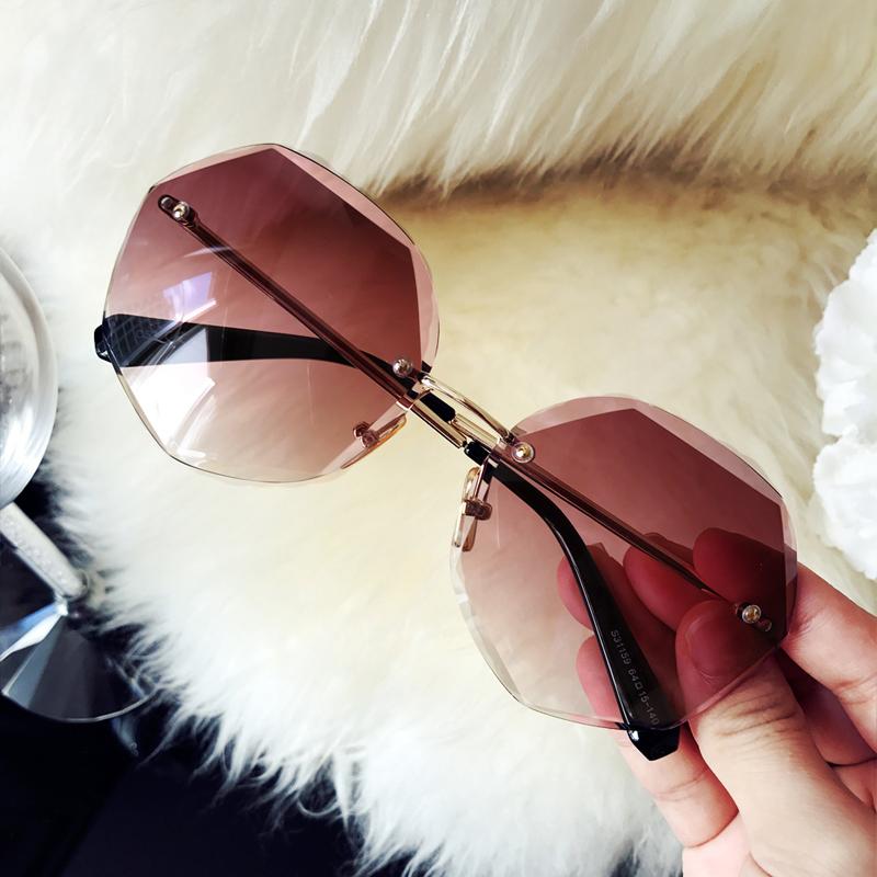 新款太阳镜女开车时尚大框墨镜高清渐变太阳眼镜驾驶司机镜