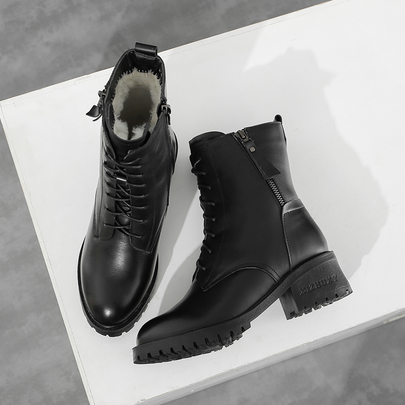 2020 new winter Martin boots womens Plush thickened versatile non slip soft top Leather Mid Heel wool mother cotton shoes