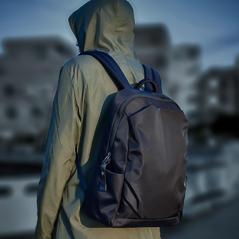 男时尚潮流电脑旅行商务简约双肩包券后118.00元