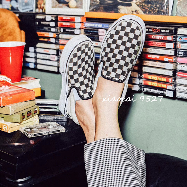 现货Vans Slip on 黑白棋盘格一脚蹬男女鞋情侣帆布鞋VN000EYEBWW