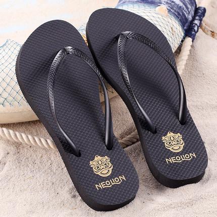2019新品夏季沙滩人字拖女款细带ins风防滑平底拖鞋沙滩鞋女外穿