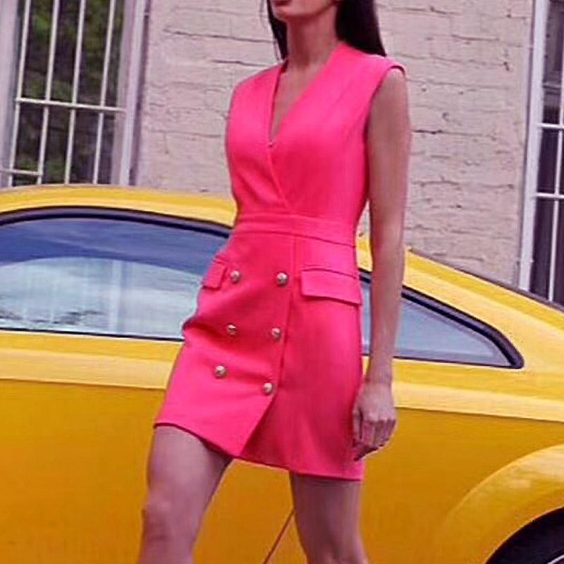 梅根同款西装裙通勤V领金属扣双排扣小白裙玫红色无袖显瘦连衣裙