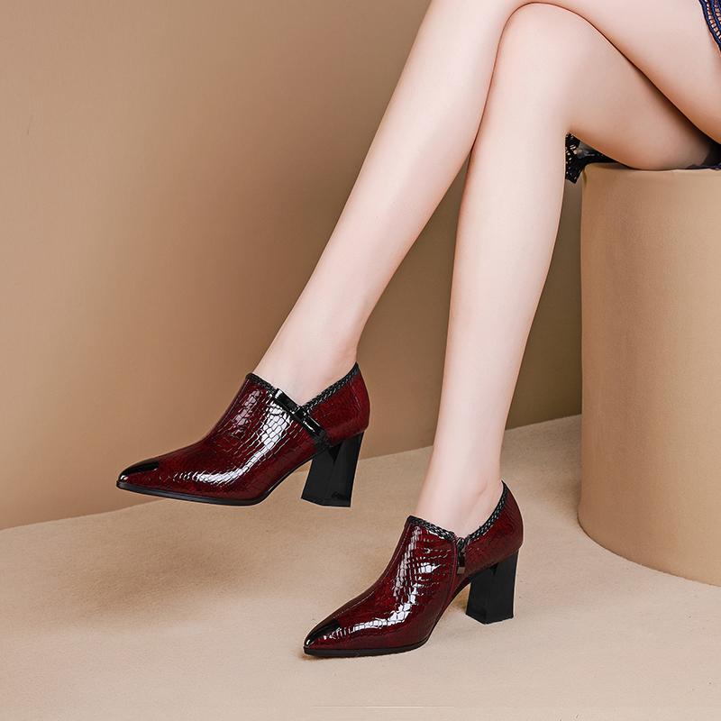 真皮秋款女鞋2021新款流行高跟深口单鞋女纯皮酒红色金属头单皮鞋