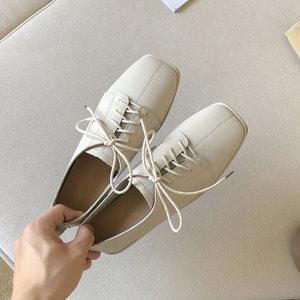 2020流行女鞋春季新款百搭软皮英伦学院风小皮鞋白色配西装女单鞋