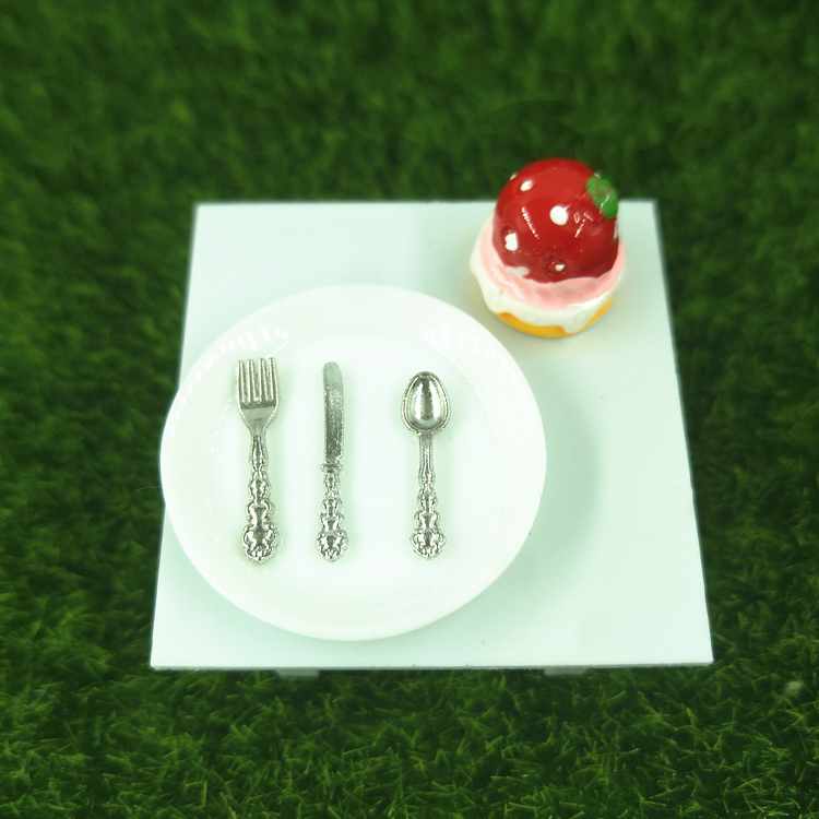 Baby hand made BJD miniature DIY toy world small table scene kitchen utensils Mini western cutlery knife, fork and spoon