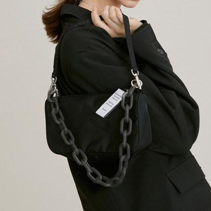 JENNIE同款亚克力链条腋下包女2020韩国小众设计师单肩手提法棍包