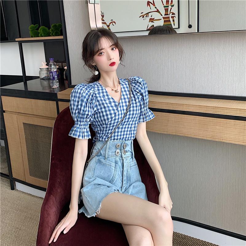 2019夏新款格子衬衫设计心机上衣+高腰浅色阔腿牛仔裤时尚两件套(用40元券)