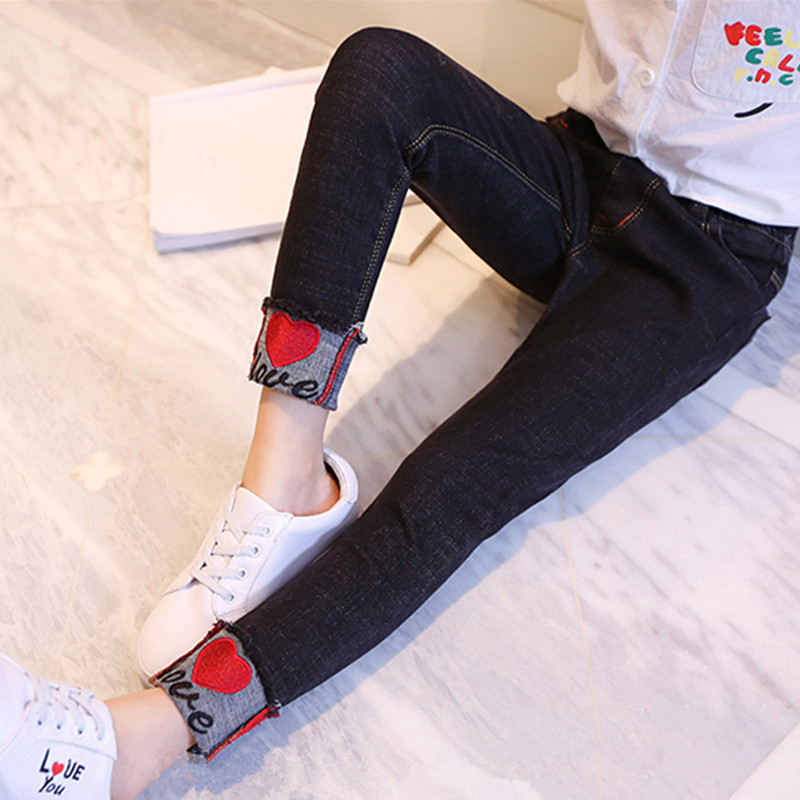 Childrens clothing 2020 spring and autumn girls jeans childrens trousers big boys Korean slim Leggings girls pencil pants