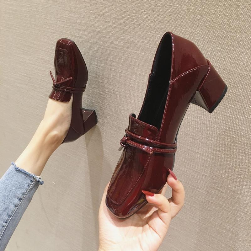 粗跟单鞋女2020新款百搭英伦风小皮鞋蝴蝶结中跟女鞋子春季乐福鞋