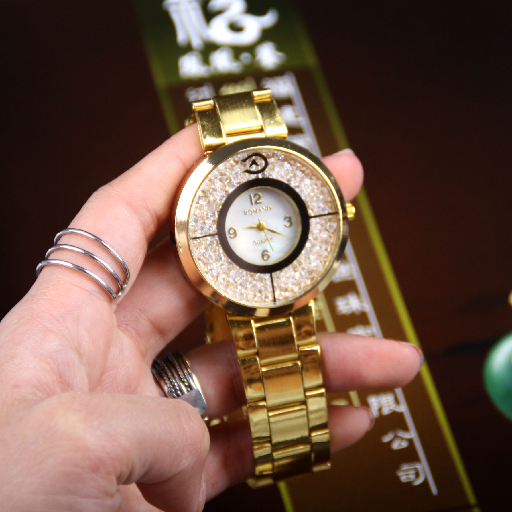 Simple fashion alloy steel band Watch female round ball bearing boutique casual womens fashion watch