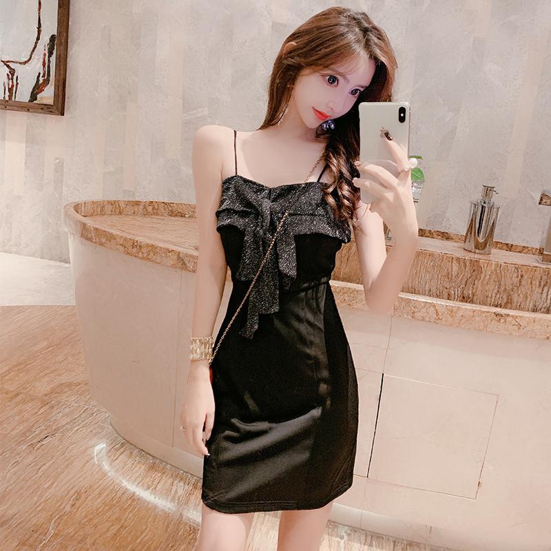 實拍新款時尚性感氣質吊帶抹胸連衣裙露背修身顯瘦包臀小黑裙