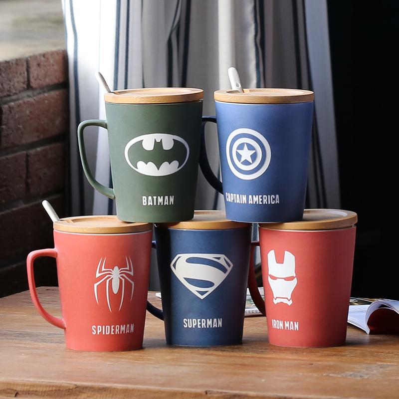 复仇者联盟创意带盖带勺大容量马克杯水杯磨砂陶瓷杯子办公咖啡杯